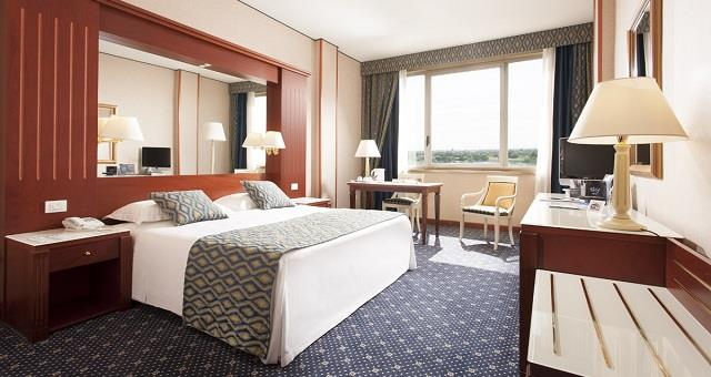 Discover the elegant design of our Standard Rooms