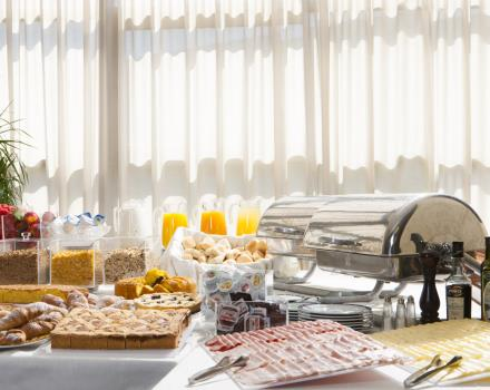 A rich buffet breakfast to start your day full of energy.